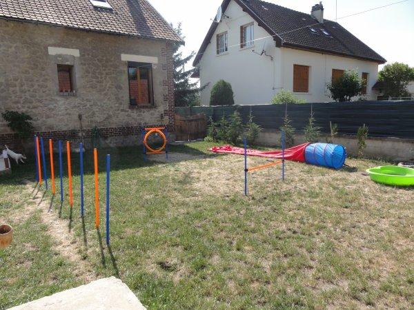 Notre jardin transform en parcours d 39 agility blog de for Agility au jardin
